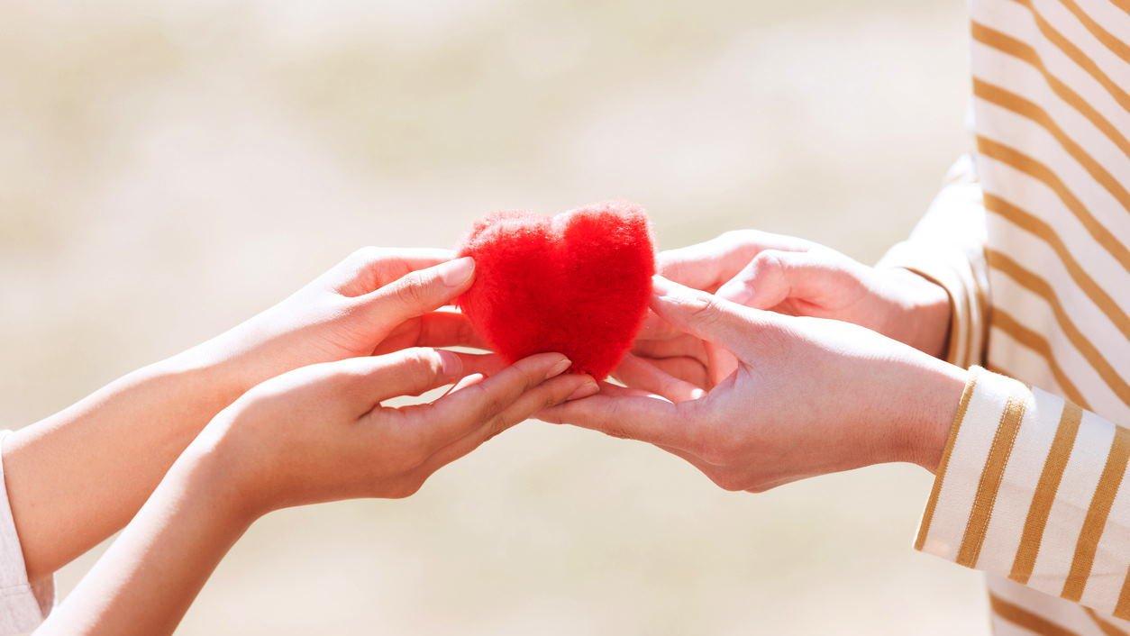 11 Negara yang Merayakan Valentine dengan Cara Unik